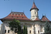 3-Manastirea-Sf.-Ioan-cel-Nou