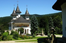 11.-Manastirea-Sihastria