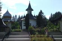 12.-Manastirea-Sihastria