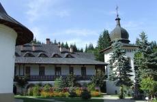 13.-Manastirea-Sihastria